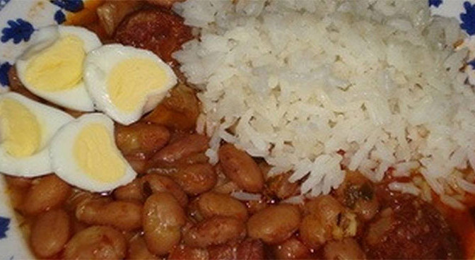 Black beans and rice traditional recipe for moros y cristianos