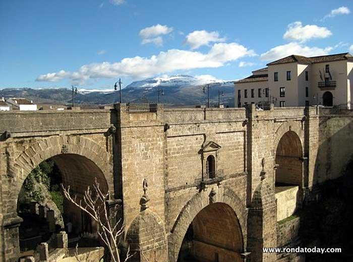 History of the Puente Nuevo