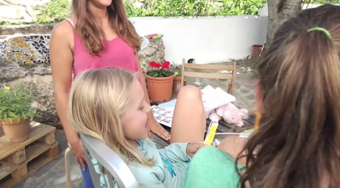 Hello, everyone! We start the week with this happy video of our youngest student…