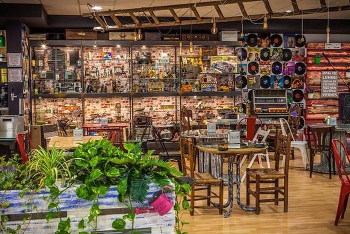 La Casa del Jamon - Deli-Wine Tasting-Museum-Bar in Ronda, spain