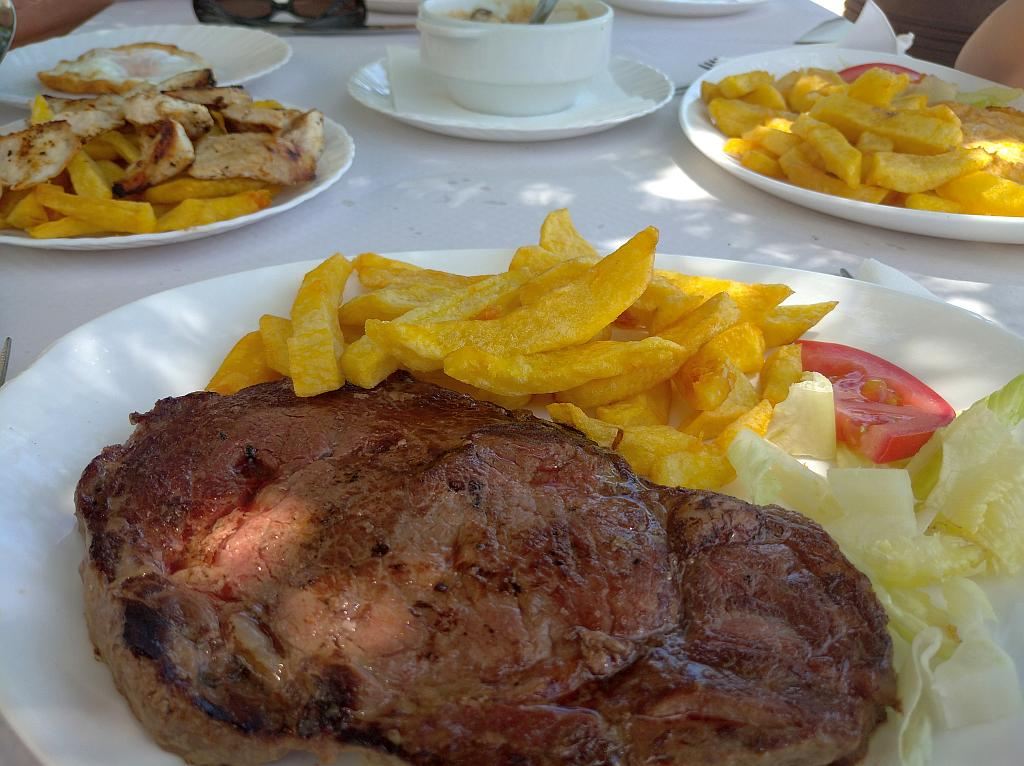 Steak and chips in Venta Tropezon, Montecorto